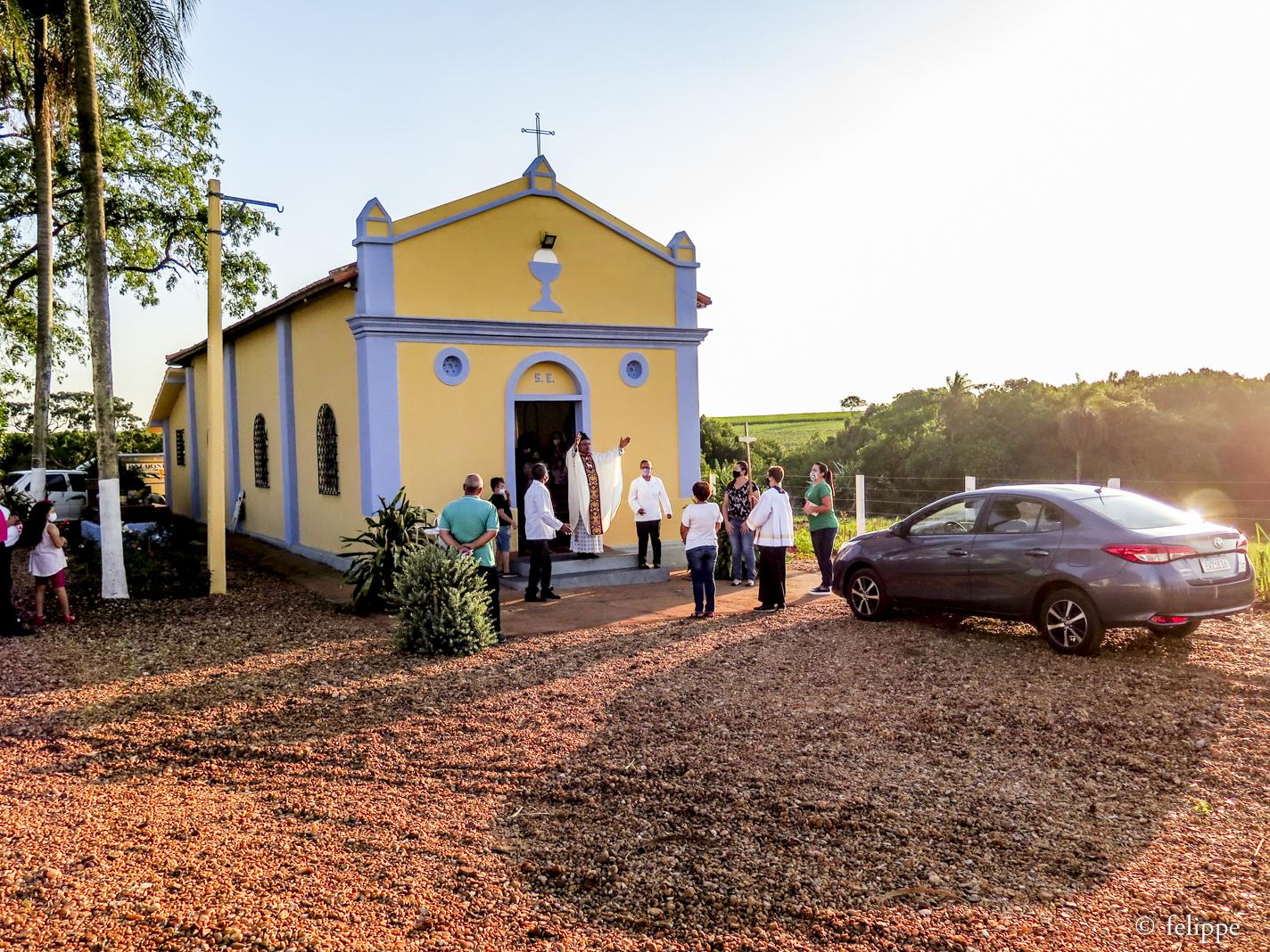 Fiéis prestam homenagem a Santa Eufrosina