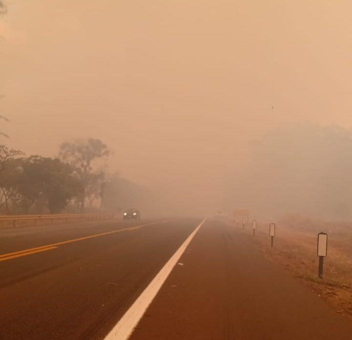Incêndios provocam prejuízos e congestionamentos na estrada